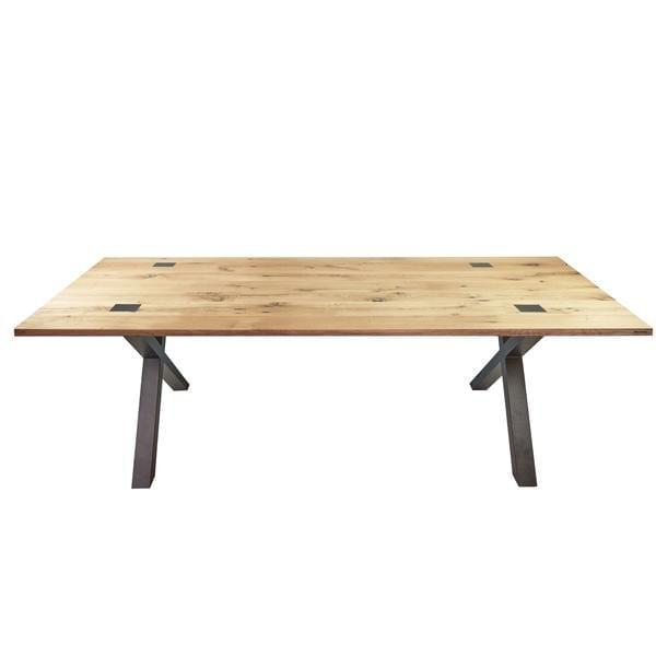 Able Wagon Delen Eiken met is een eikenhouten tafel met metalen onderstel van Tolhuijs Design. Maatwerk tafel van duurzaam materiaal.
