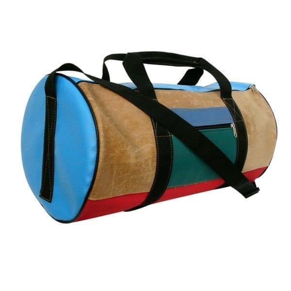 Sporttas van gerecyclede materialen leer en kunststof