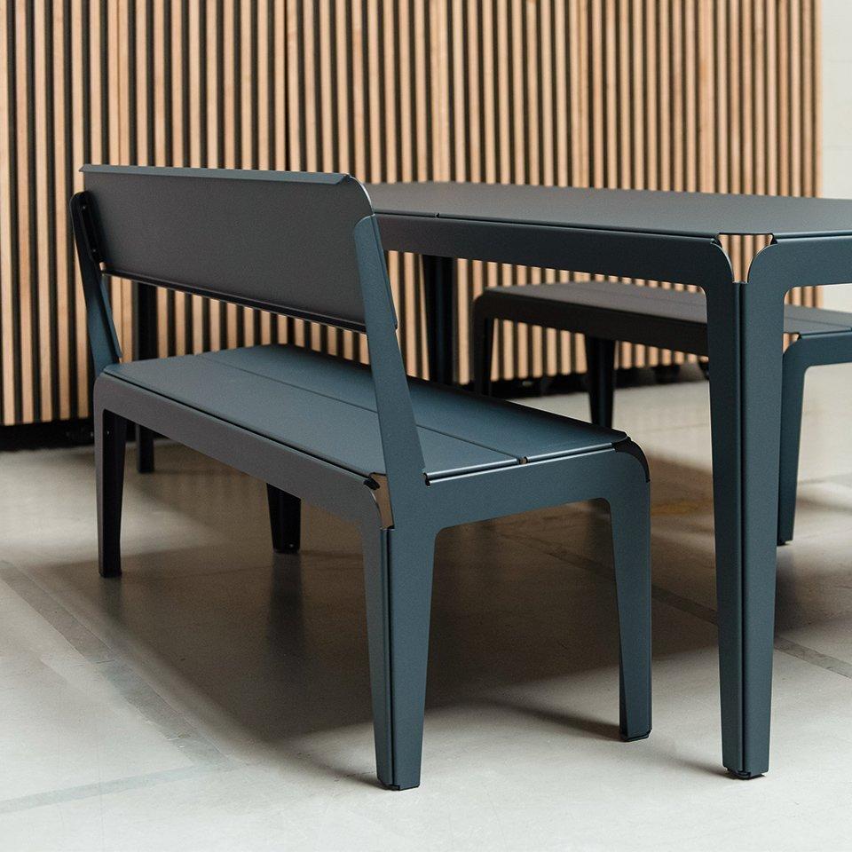 Weltevree-bended-bench-with-backrest-seating-shot
