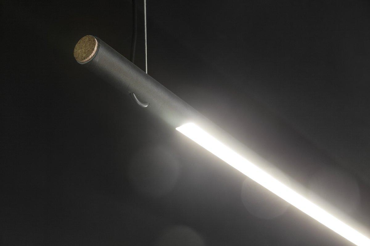 Zwarte buislamp LED verlichting bij Studio Perspective