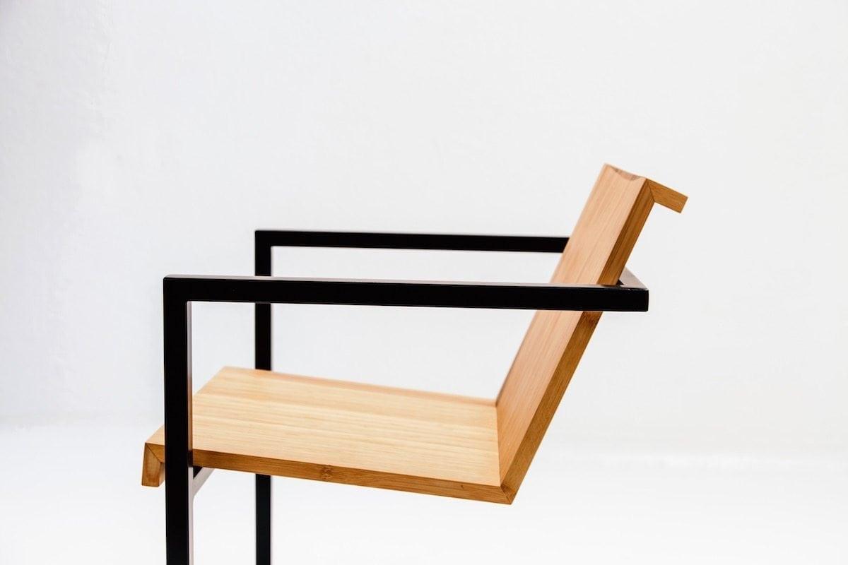 Duurzame fauteuil stoel Eroll van bamboe uit de Mogelijkheid Collectie