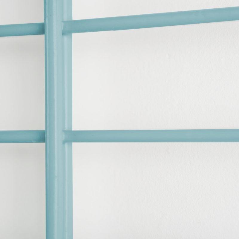 FENCY 80 x 80 is een modulair wandrek van Tolhuijs Design, gemaakt van gerecycled materiaal. Bekijk dit duurzame design online!