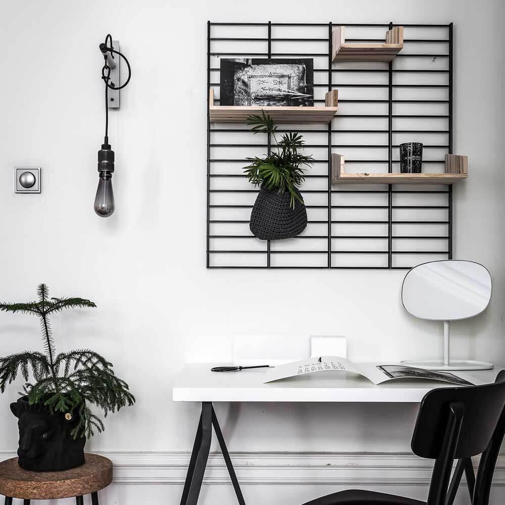 Wandrek thuiswerkplek zwart metaal bij Studio Perpsective