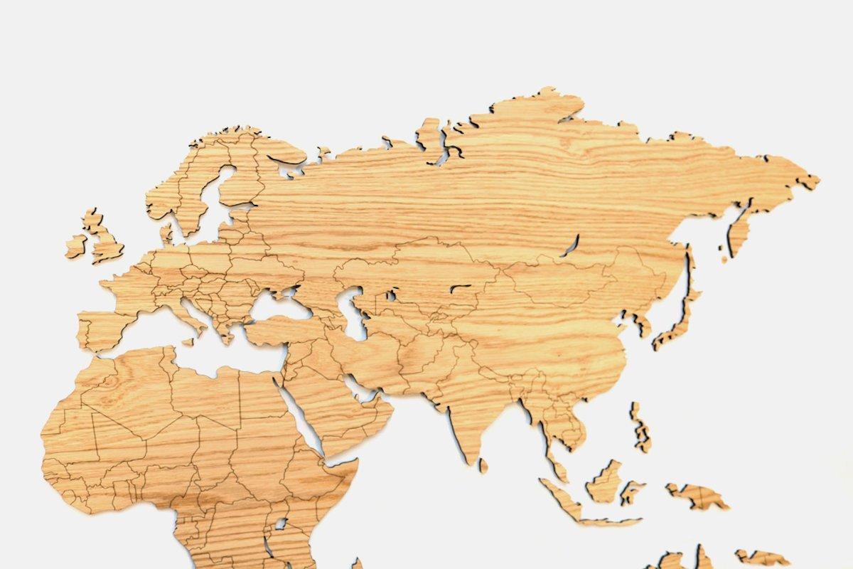 Houten wereldkaart voor aan de muur