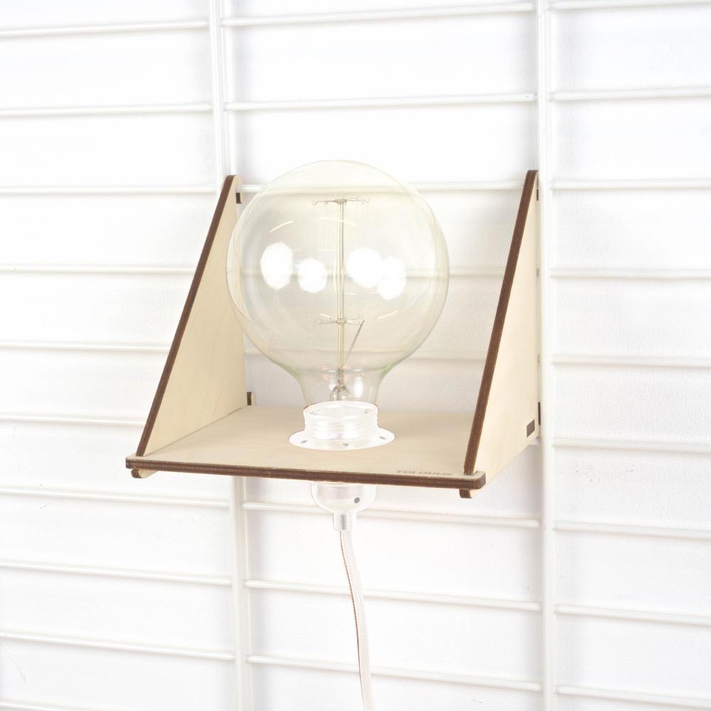 Fency wandrek plankje met langwerpige led lamp wit