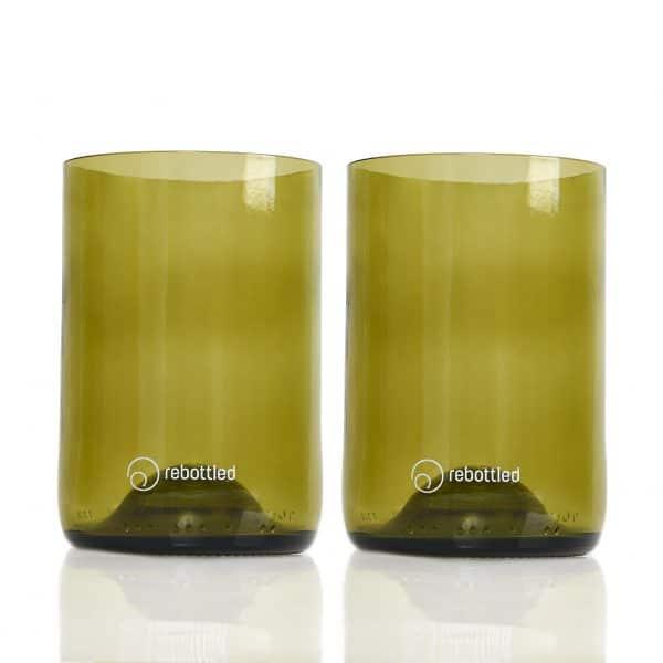 Rebottled groene drinkglazen gemaakt van wijnflessen bij Studio Perspective