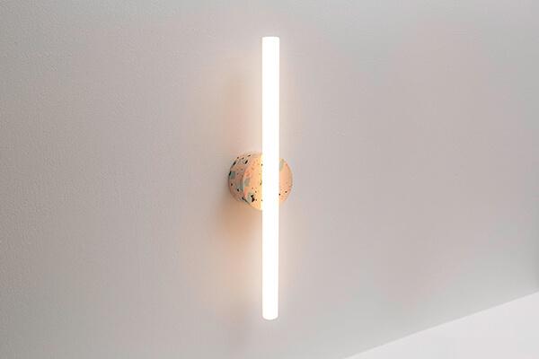 verticale wandlamp buis design Waarmakers