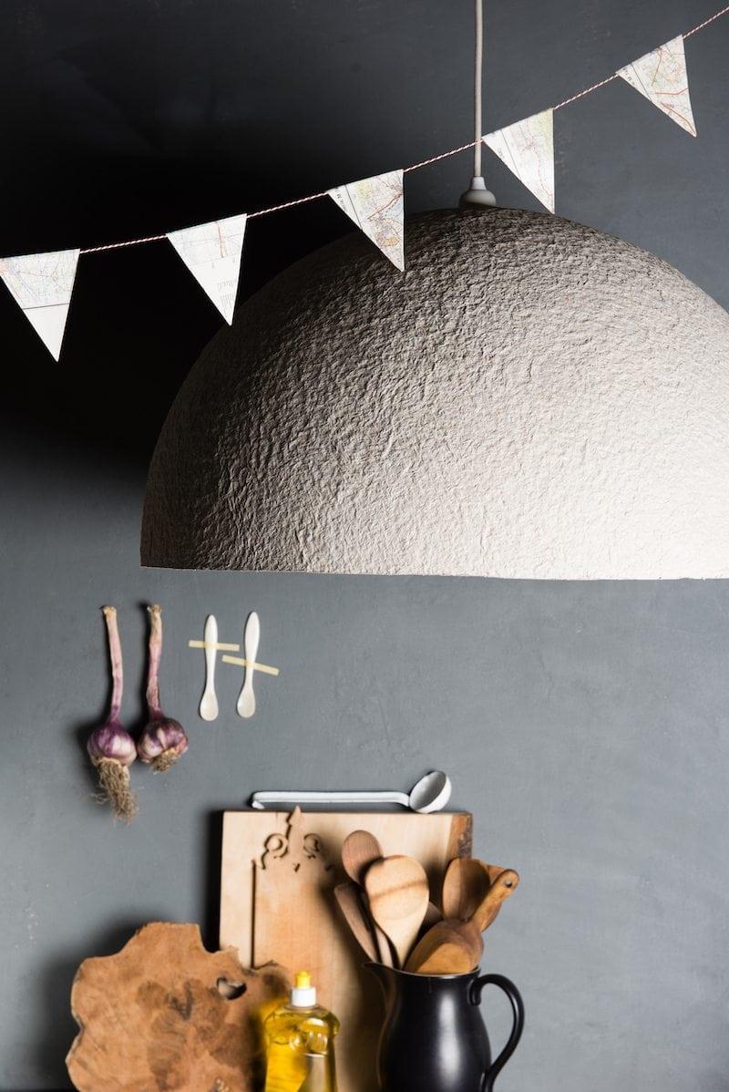 Stoere lamp Duurzame verlichting The Latest Edition van Rescued is gemaakt van gerecycled materiaal. Unieke en handgemaakte Dutch Design lamp.