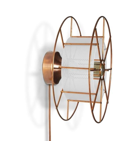 SPOOL WALL YELLOW is een koperen wandlamp van Tolhuijs Design. Deze duurzame designlamp is gemaakt van wastematerial.
