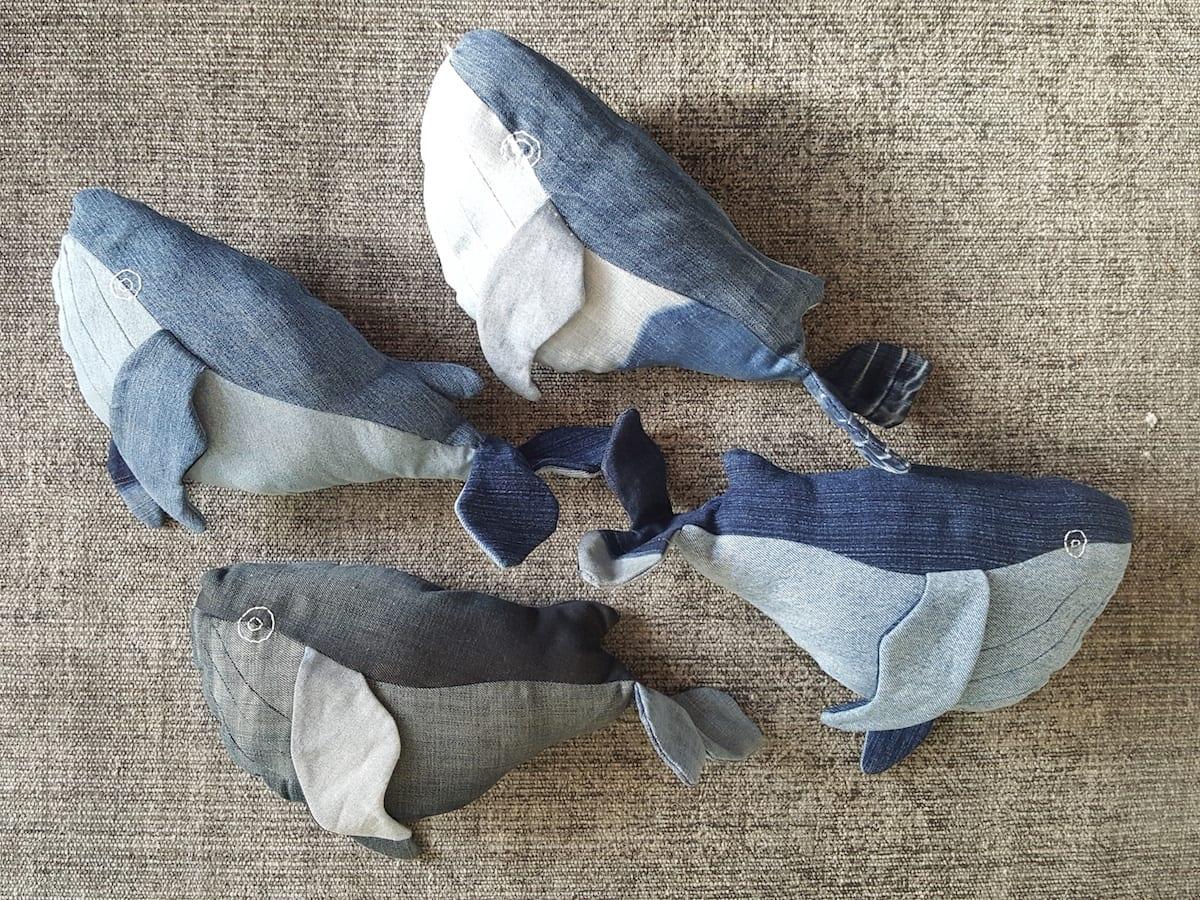 Walvis Denim Knuffel is een handgemaakte knuffel van gerecyclede jeans bij Studio Perspective.