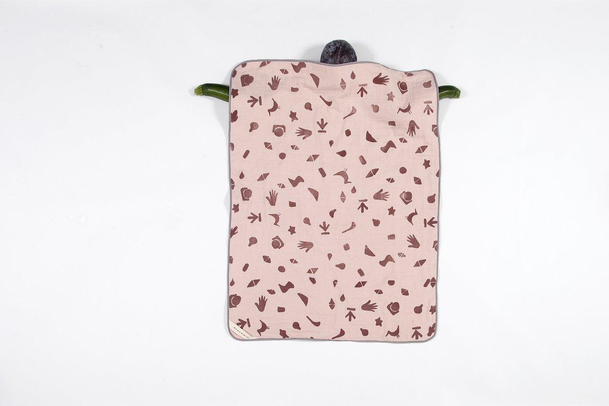 Roze dekentje baby voor de wieg van Studio Perspective