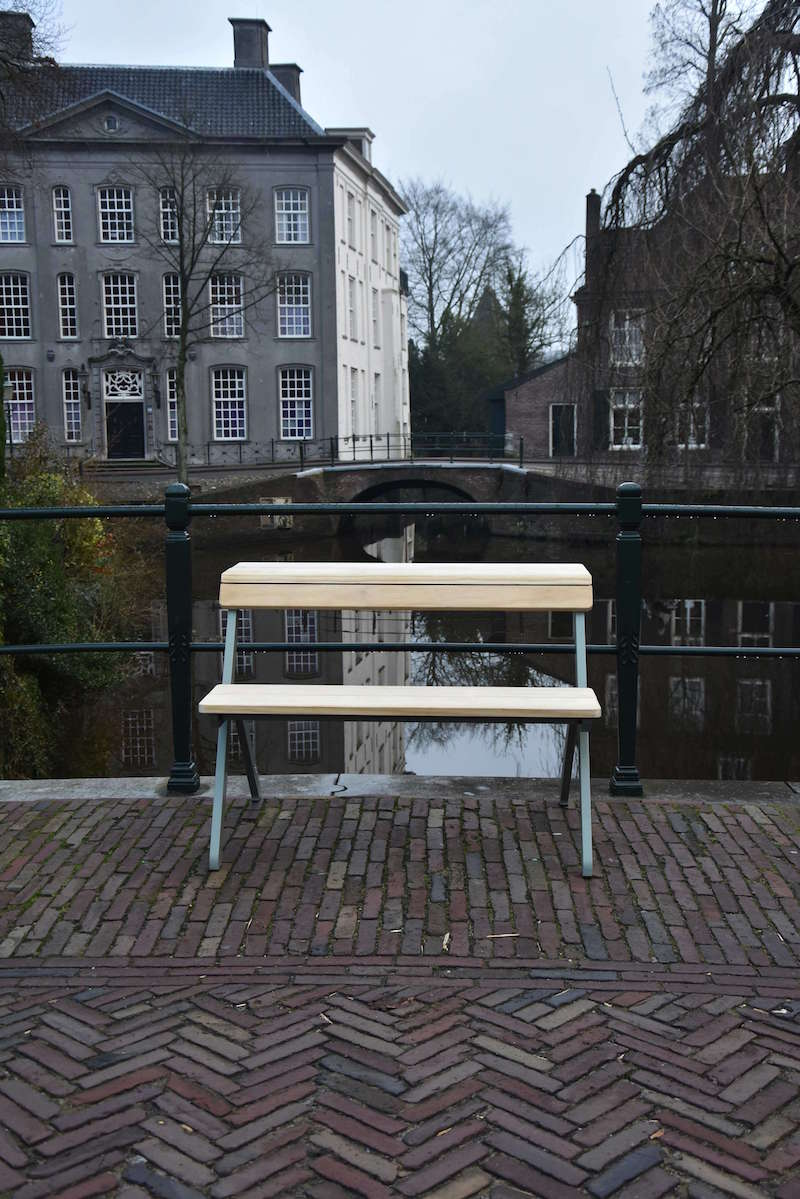 Weltevree-Tablebench-2-seater-Larch-lariks-wood-outdoors-next-to-pond