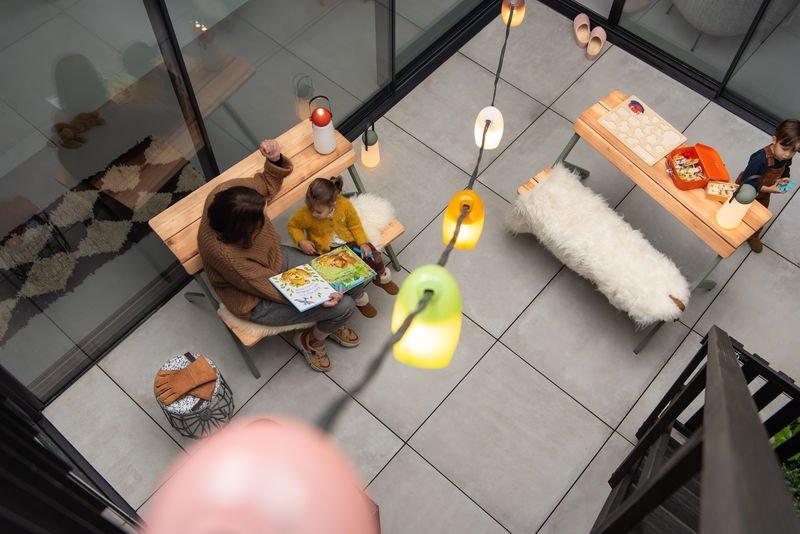 buitenverlichting snoer met gekleurde lampjes