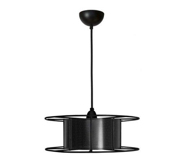 Spool Black van Tolhuijs Design is een zwarte, industriële hanglamp gemaakt van een oude spoel bij Studio Perspective.