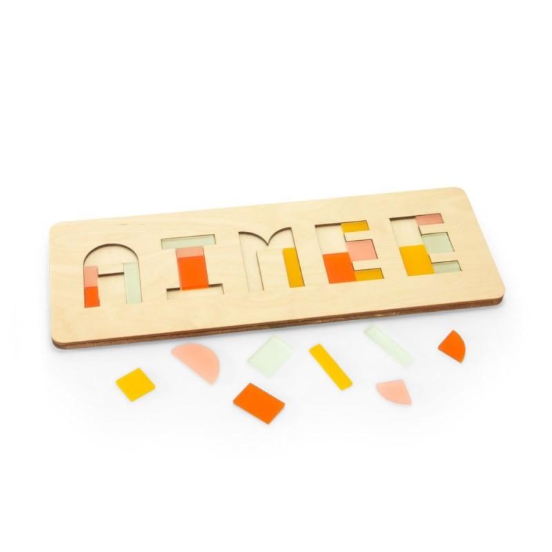 houten naampuzzel