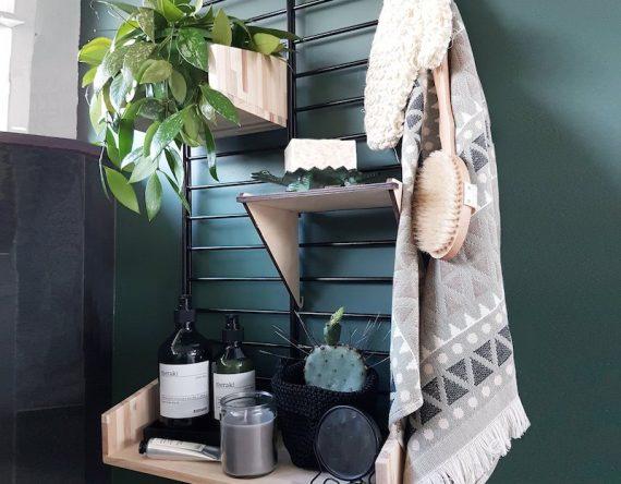 Fency badkamerrek Tolhuijs met verplaatsbare houten plankjes bij Studio Perspective