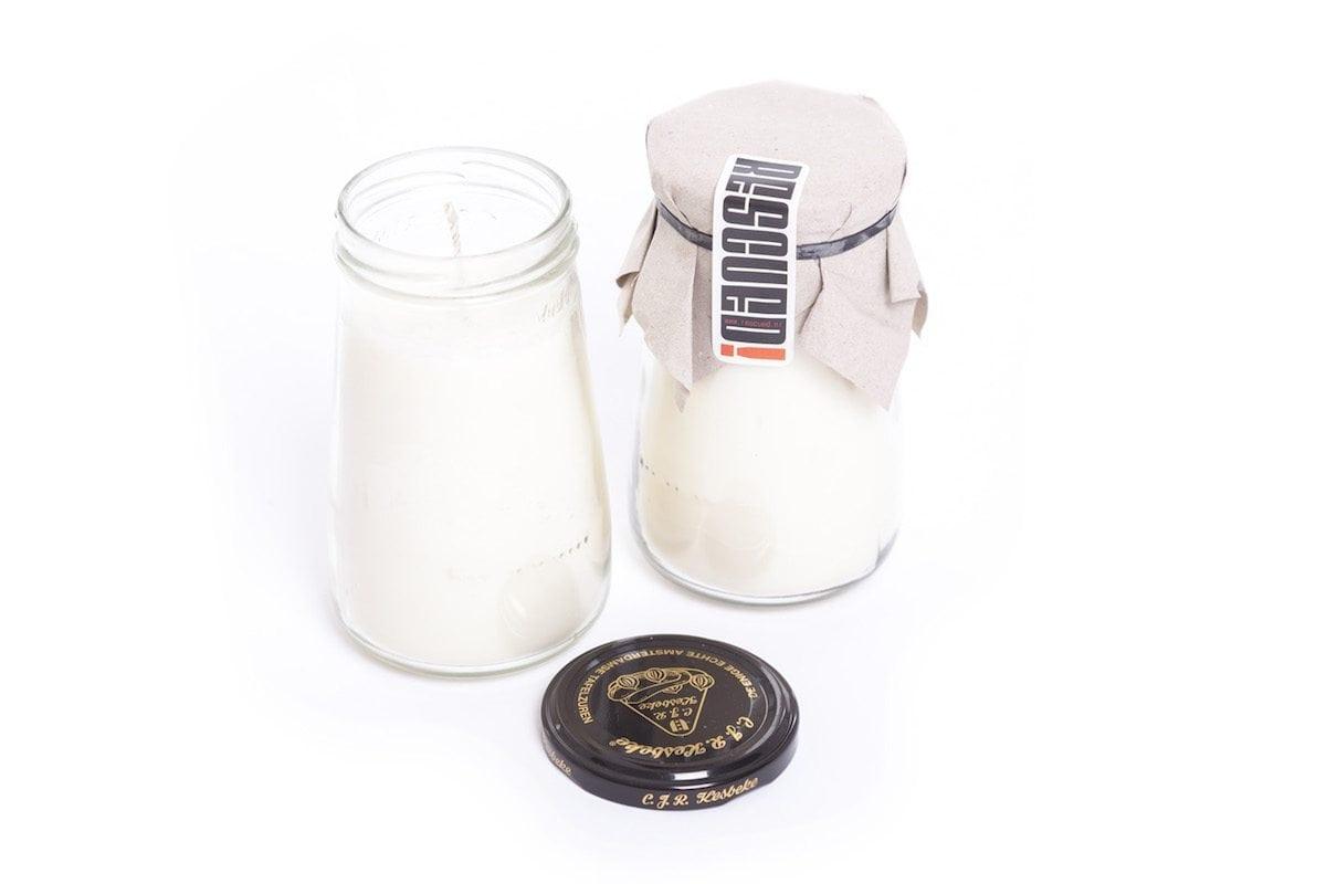 De Pickle Jar Candle van Rescued is een duurzame kaars gemaakt van gerecycled materiaal
