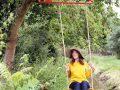 swing, mobiele schommel overal te bevestigen. Weltevree. dutch design, buitenmeubel, houten schommel voor volwassenen.