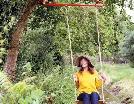 Swing, Thor ter kulve. Weltevree. Mobiele schommel voor volwassenen. Schommel voor binnen. Dutch design.