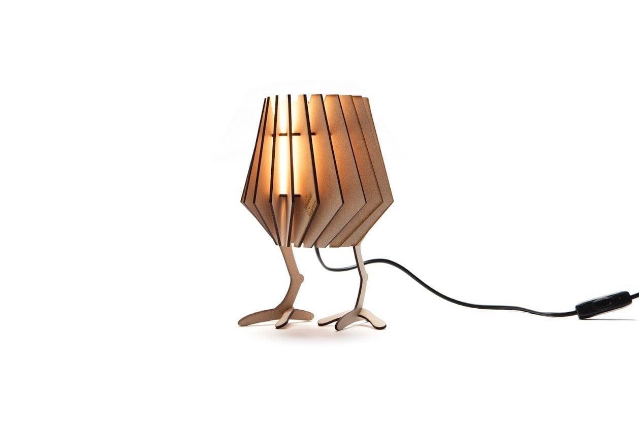 De Chicken-Spot van Van Tjalle en Jasper is een grappig, origineel en duurzaam lampje voor de kinderkamer bij Studio Perspective.