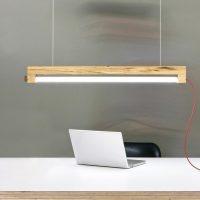 designlamp Waarmakers. Designverlichting gemaakt van hout. Amsterdamse iepen worden op een duurzame manier gebruikt