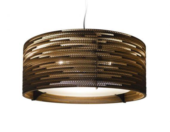 De Scraplight DRUM 24 van Graypants is een handgemaakte hanglamp. Duurzame lamp voor kantoorinrichting bij Studio Perspective.