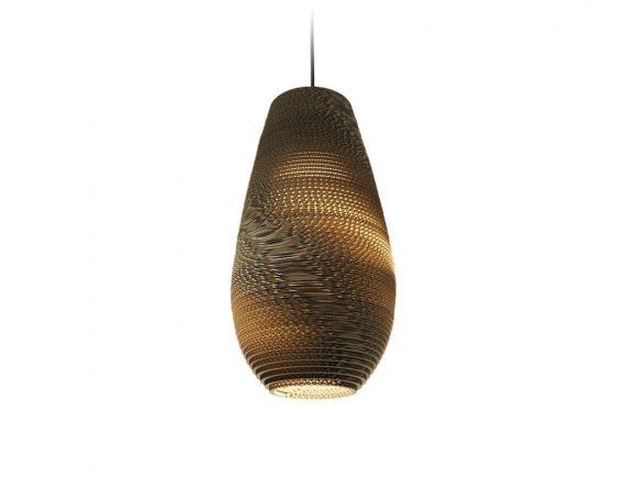 De Scraplight Drop 18 van Graypants is een hanglamp gemaakt van karton en is de perfecte hanglamp voor een duurzaam interieur.