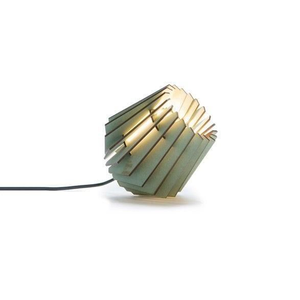 De Mini-spot Dirty Mint Van Tjalle en Jasper is een groen gekleurde, lasergesneden houten designlampje bij Studio Perspective.