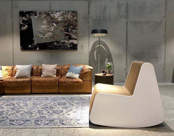 Rocking Chair van Cartoni Design is een design schommelstoel gemaakt van karton. De duurzame stoel is een echte eyecatcher!