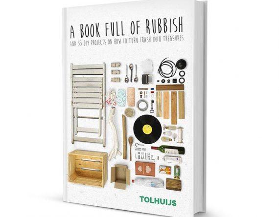In A Book Full Of Rubbish laat Amsterdamse ontwerper Bastiaan Tolhuijs zien hoe je afval door Upcycling omtovert tot duurzame designproducten bij Studio Perspective.
