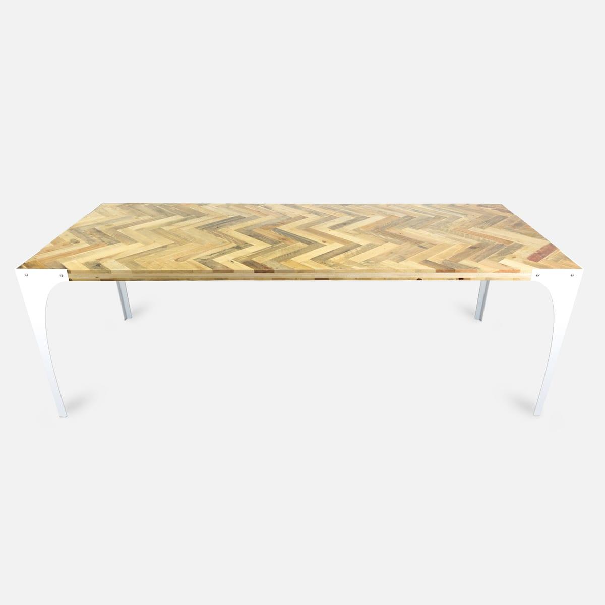 Houten Tafel Met Wit Onderstel.Tafel Met Visgraat Tafelblad Tolhuijs Design Studio Perspective