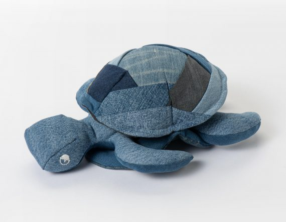 Knuffel recycle jeans denim schildpad Roadsmaakt