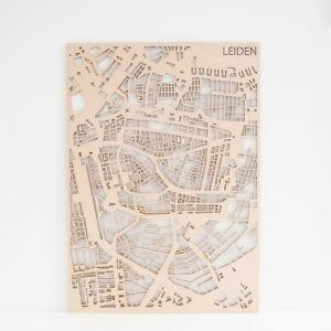 PlanqKaart Houten Stadskaart Leiden is een houten stadsplattegrond van het centrum van Leiden.