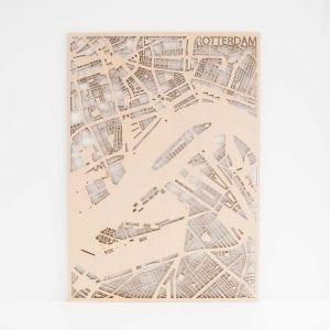PlanqKaart Houten Stadskaart Rotterdam is een houten stadsplattegrond van het centrum van Rotterdam bij Studio Perspective.