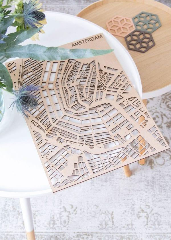 PlanqKaart Houten Stadskaart Amsterdam is een houten stadsplattegrond van het centrum van Amsterdam bij Studio Perspective.