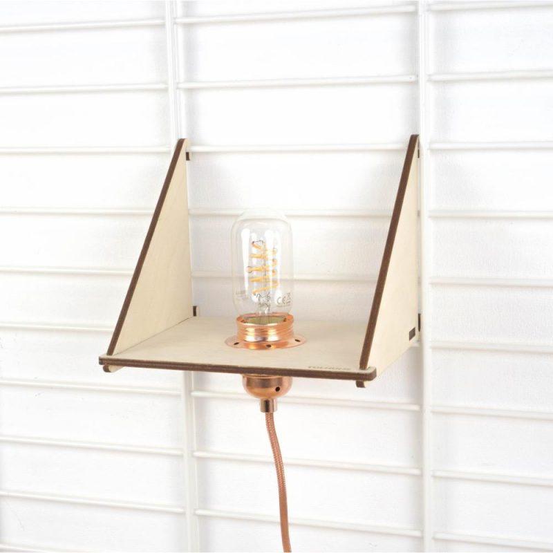 Tolhuijs Plank en Lamp voor Fency wandrek bij Studio Perspective