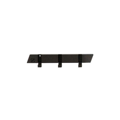 Zooi kapstok Frits zwart gemaakt van restmateriaal bij Studio Perspective