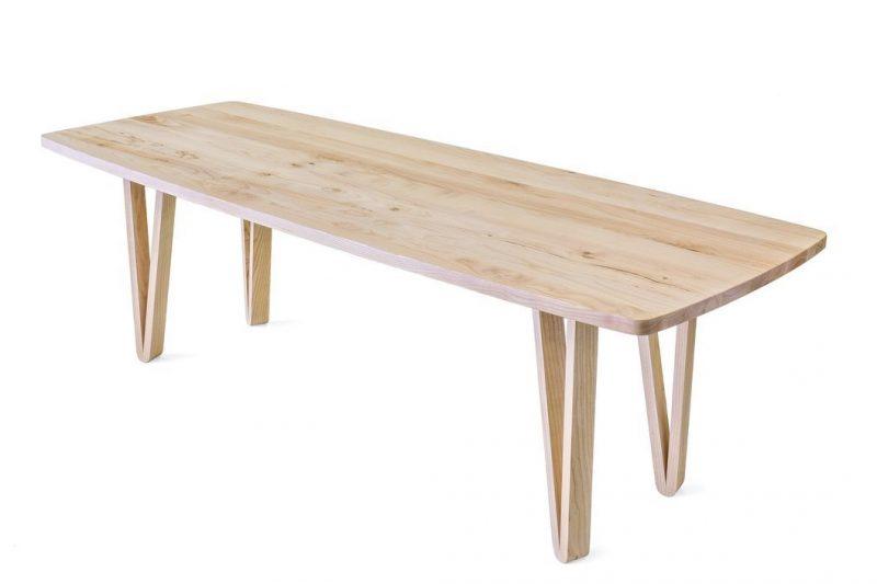Houten tafel laten maken.