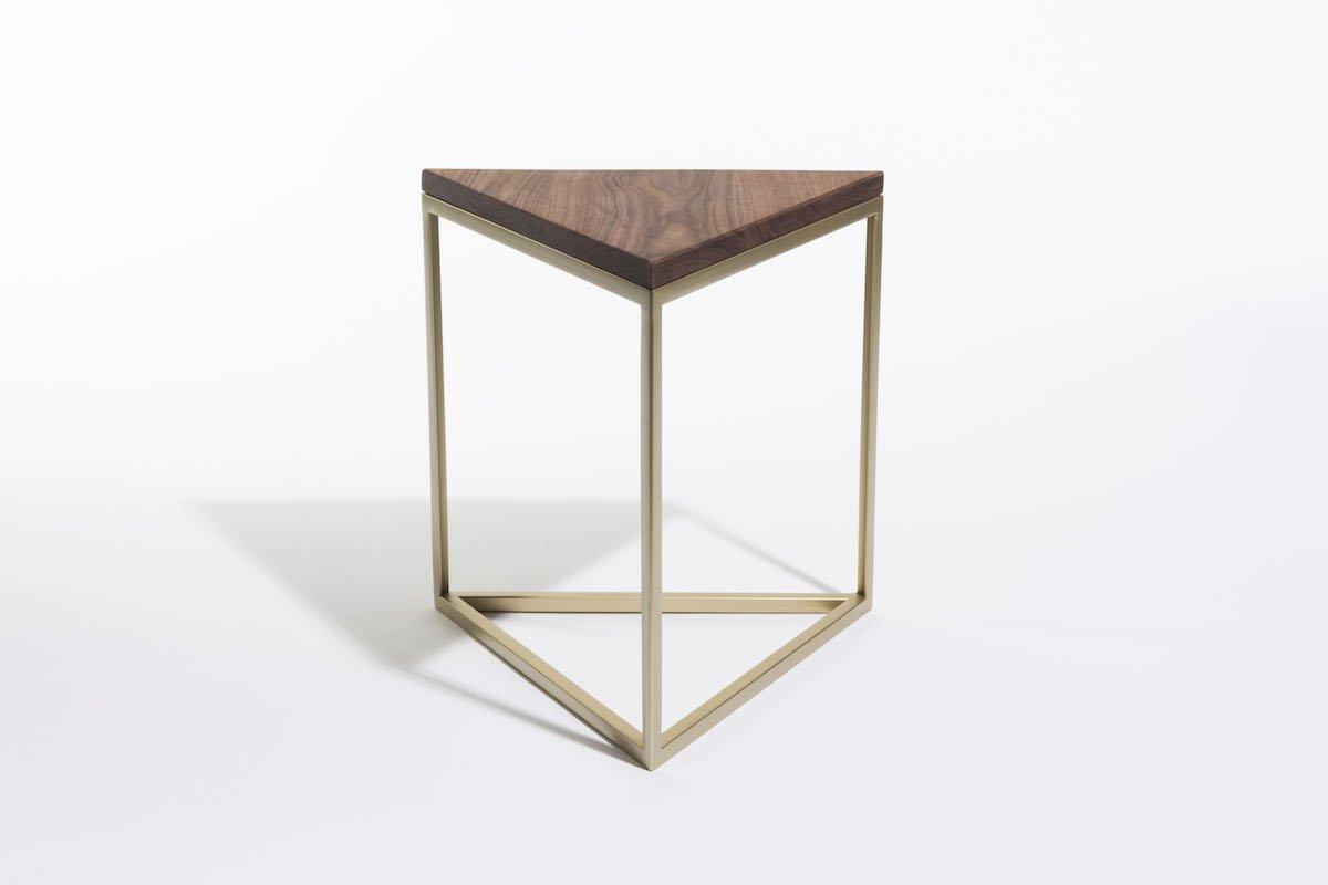 Houten Bijzettafel Vierkant.Two O Dylan Bijzettafel Driehoek Hout Studio Perspective