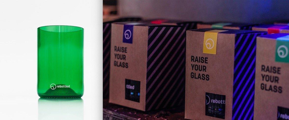 Rebottled glazen relatiegeschenk met logo bij Studio Perspective
