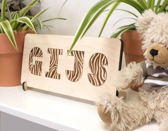 CRE8 houten kinderpuzzel met naam en dierenprint bij Studio Perspective