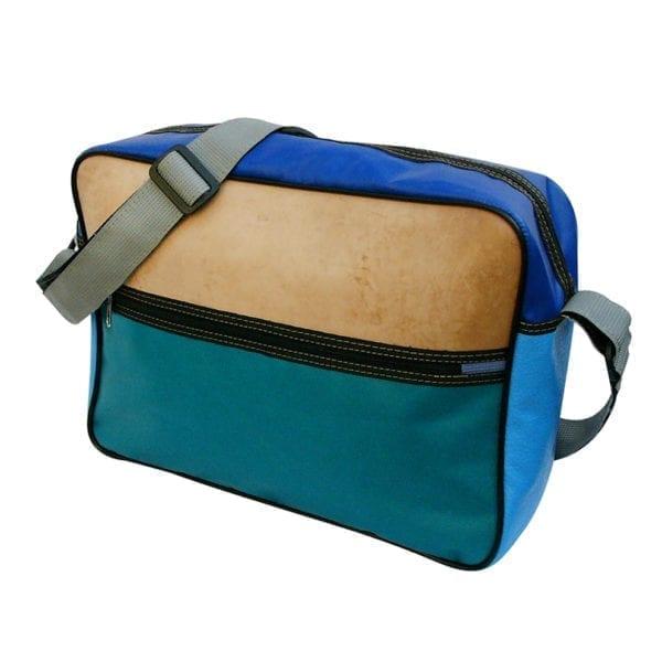 Traveller Bag Nagano schoudertas van gerecyclede materialen leer en kunststof groen en blauw