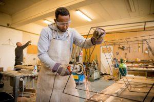 Makers van social design MijnWand houten wandmeubels