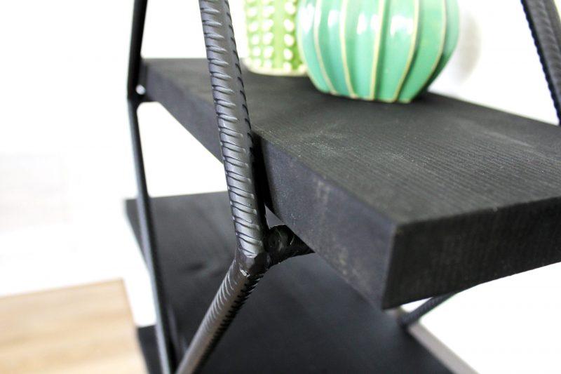 Hoekrek metaal en hout wandrek voor in de hoek Studio Perspective