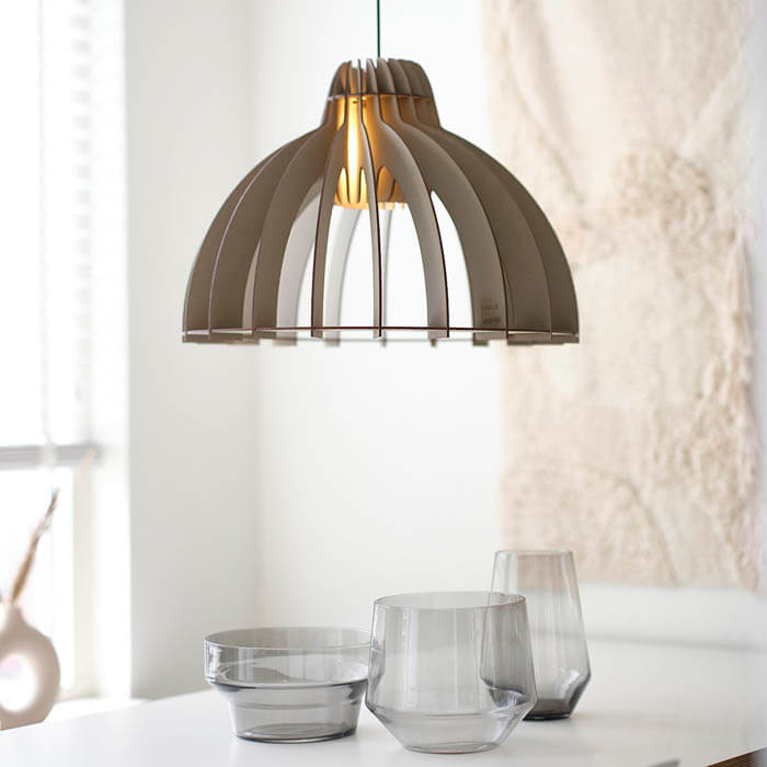 grijze hanglamp tjalle en jasper design