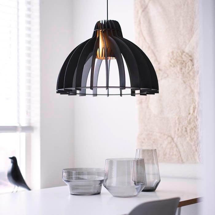 hanglamp design boven eettafel zwart hout