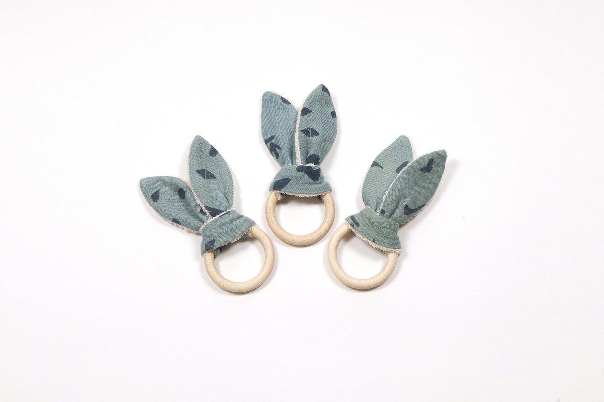 Boro*Mini baby speeltjes zoals bijtringen en speendoekjes van biologisch katoen bij Studio Perspective.