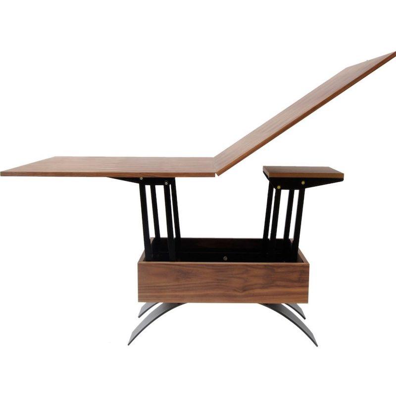 In hoogte verstelbare tafel van duurzaam hout