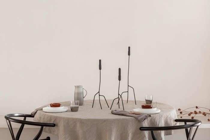 dunne kandelaar zwart kwilleminhuis gedekte tafel