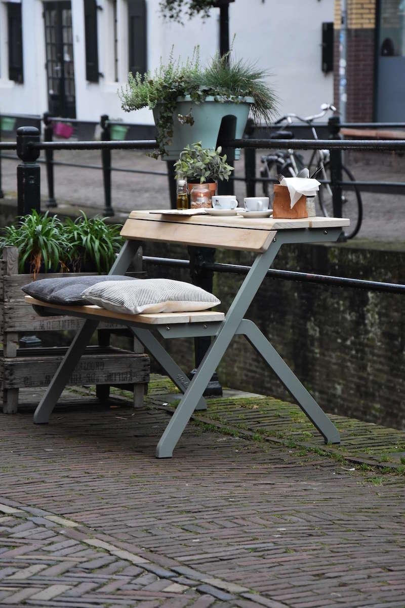 Weltevree-Tablebench-2-seater-Accoya-wood-indoors-combined-setting